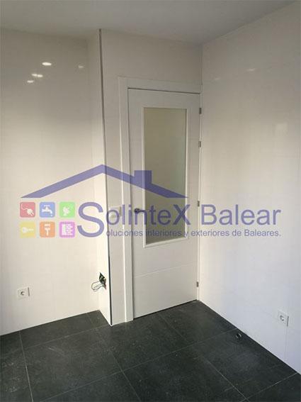 Instalación puerta Sometimes 2018