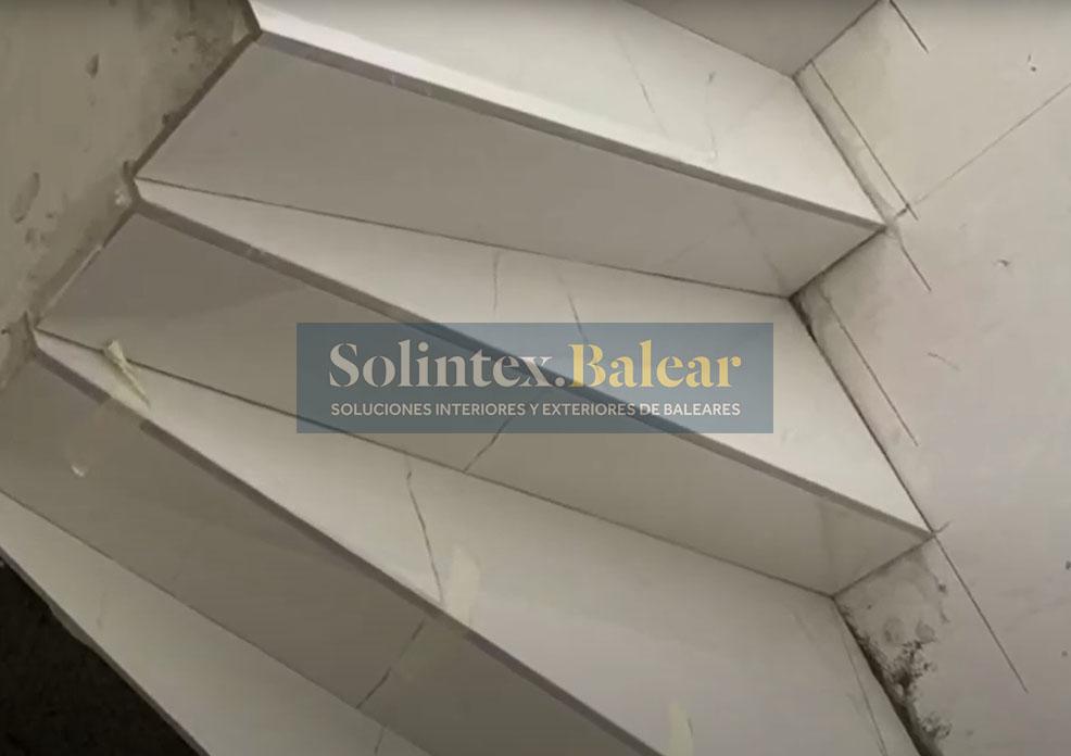 Embaldosado escalera Palma de Mallorca