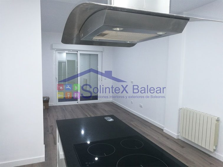 Instalación campana extractora y placas de inducción Mallorca